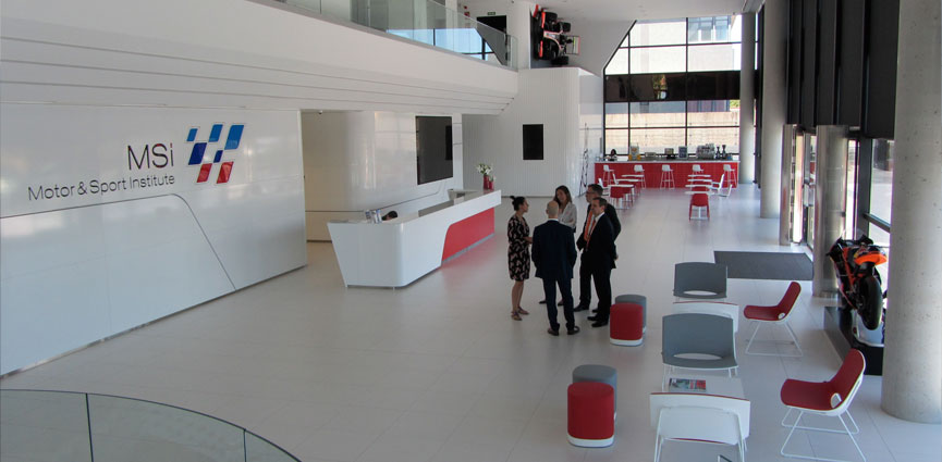 Showroom de HOFFMANN GROUP en MSI MOTOR & SPORT INSTITUTE