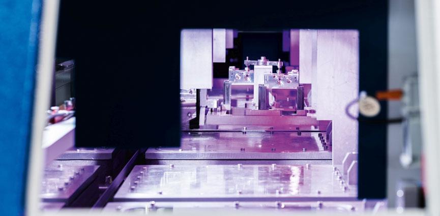 EcoCvelox - Desbarbado por chorro de agua a alta presión combinado con procesos de baja presión para la limpieza de piezas