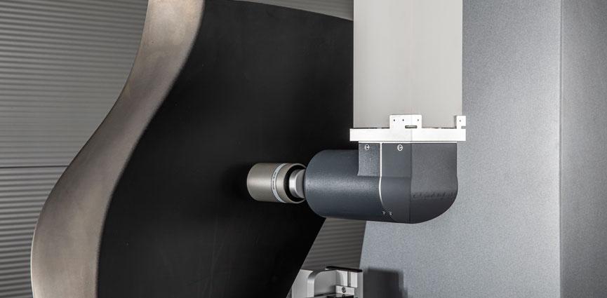 La nueva MMC Leitz Reference BX de Hexagon agiliza la medición de álabes y fibra de vidrio hasta en un 50%