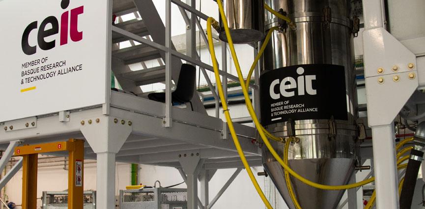 Una tesis doctoral defendida en Ceit explora nuevos materiales, conseguidos a través de atomización, para la fabricación de componentes electrónicos usados a altas frecuencias